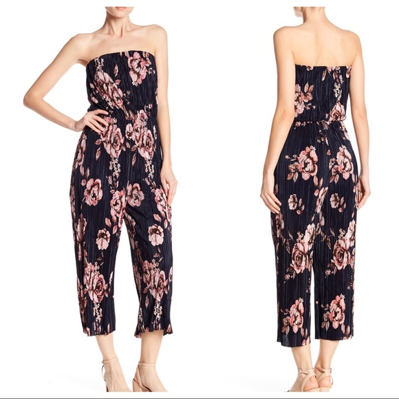 NWT 19 Cooper Pleated Floral Jumpsuit